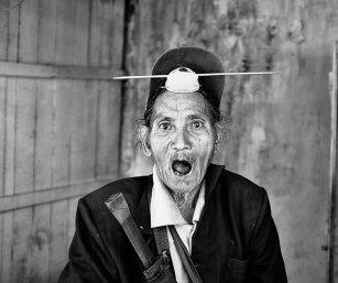 NYISHI ELDER, PAKKE