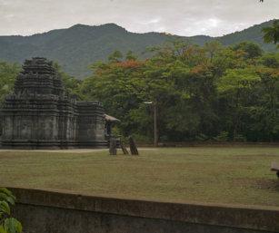 Tambdi-Surla-temple